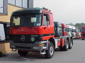 Mercedes-Benz 3348